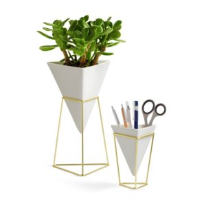 These Umbra Planters are one of Sugar & Cloth's favorite home decor finds.
