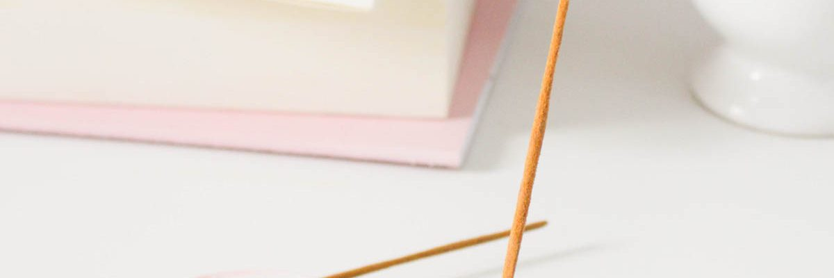 DIY Clay Rose-Marbled Incense Holders by Sugar & Cloth, an award winning DIY blog.