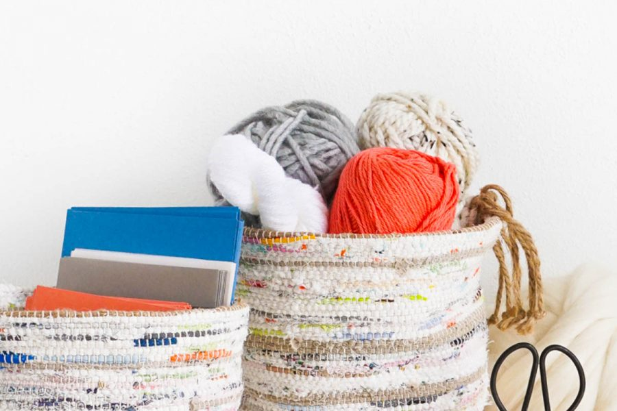 DIY Rag Rug Storage Baskets by Sugar & Cloth, an award winning DIY, home decor, recipes blog.