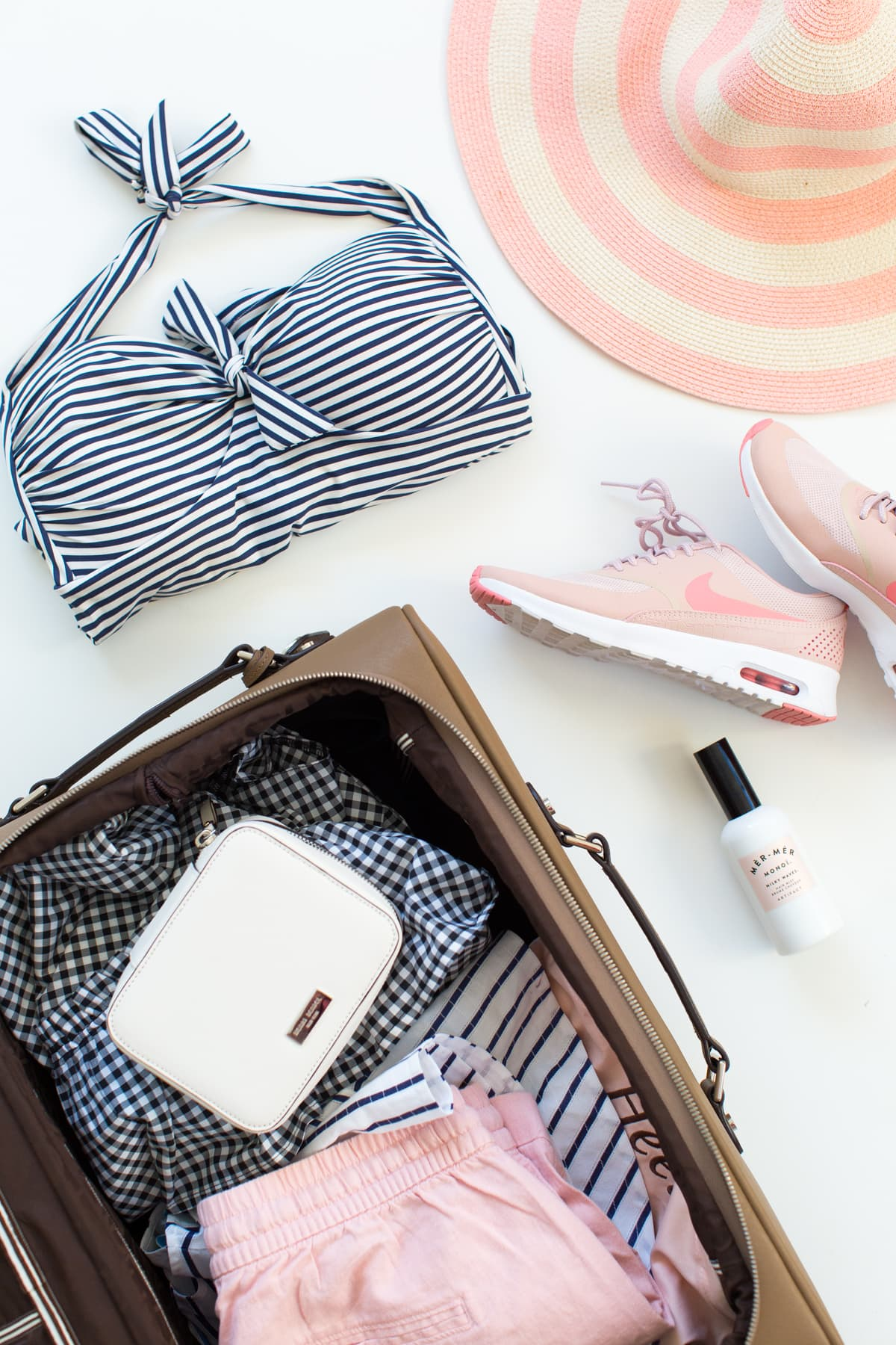 Behind the scenes at sugar and cloth and what I'm packing for our honeymoon!