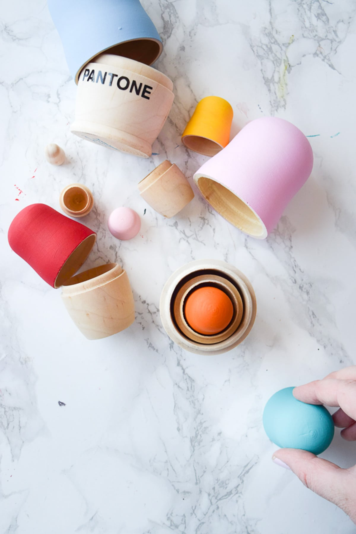 DIY Pantone Nesting Dolls by Sugar & Cloth, an award winning DIY and home decor blog.