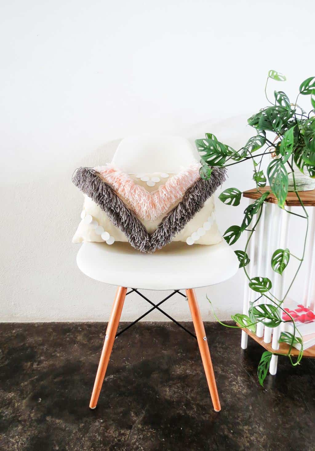 diy yarn fringed throw pillow sugar cloth diy home decor