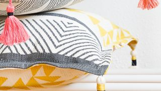 Cozy for Fall: DIY Tasseled Throw Pillows