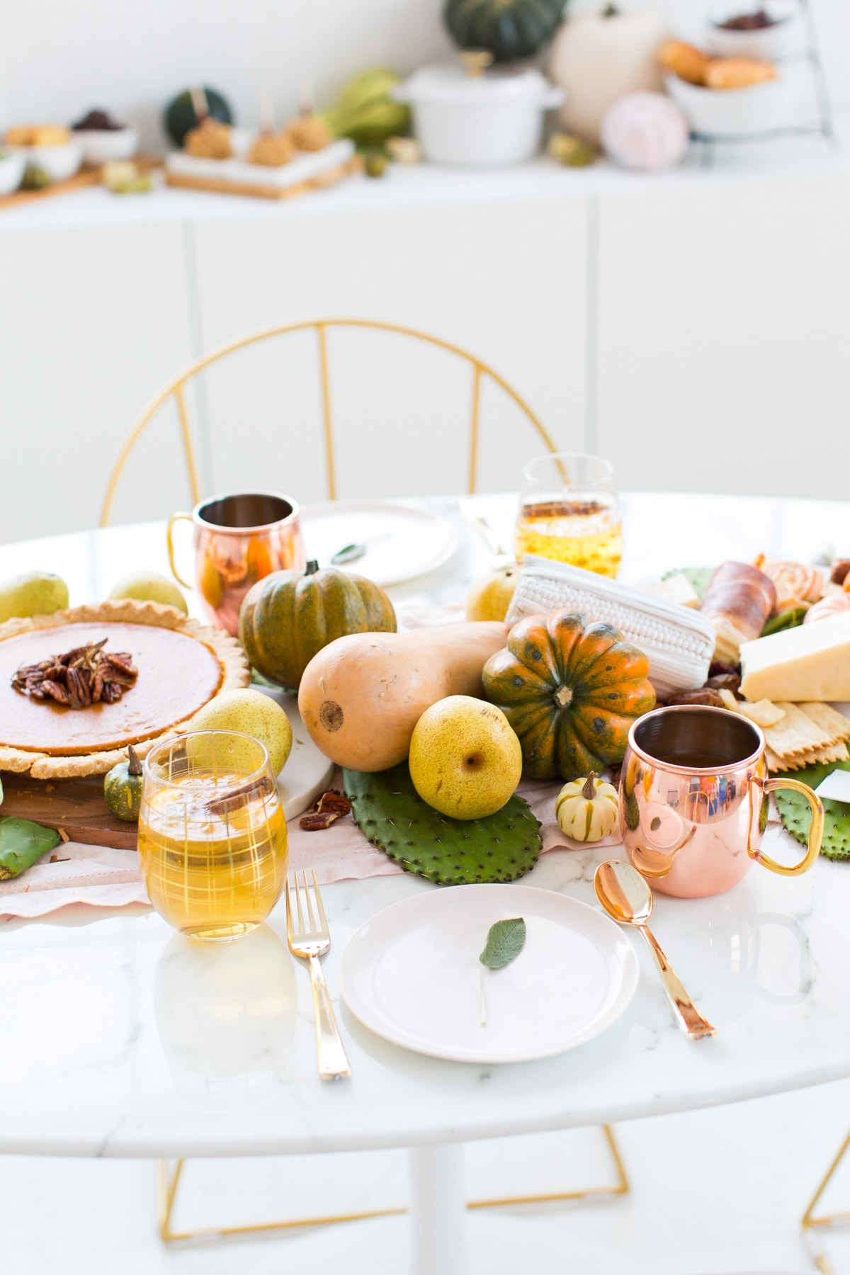 Friendsgiving Table Setting Idea + Sparkling Pumpkin Cider Recipe by top Houston Lifestyle blogger Ashley Rose of Sugar and Cloth