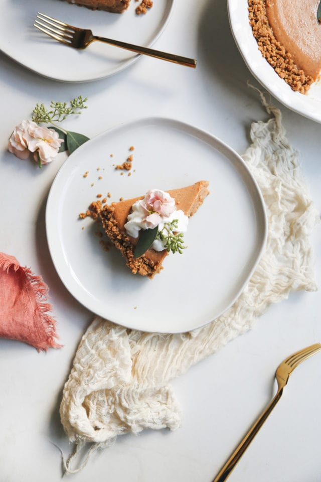 No Bake Gingersnap Pumpkin Pie by top Houston lifestyle blogger Ashley Rose of Sugar & Cloth