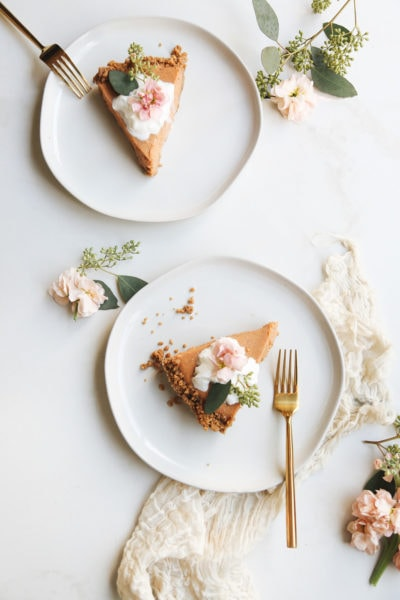 No Bake Gingersnap Pumpkin Pie by top Houston lifestyle blogger Ashley Rose of Sugar & Cloth