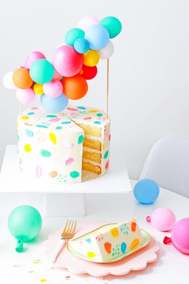 DIY Balloon Cake Topper by top Houston lifestyle Blogger Ashley Rose of Sugar & Cloth - DIY DECOR #DIY #decor #balloon #balloongarland #party #celebrate #birthday #garland #diydecor