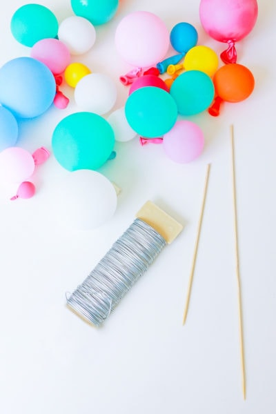 Step 2 - DIY Balloon Garland Cake Topper by top Houston lifestyle Blogger Ashley Rose of Sugar & Cloth - DIY DECOR #DIY #decor #balloon #balloongarland #party #celebrate #birthday #garland #diydecor