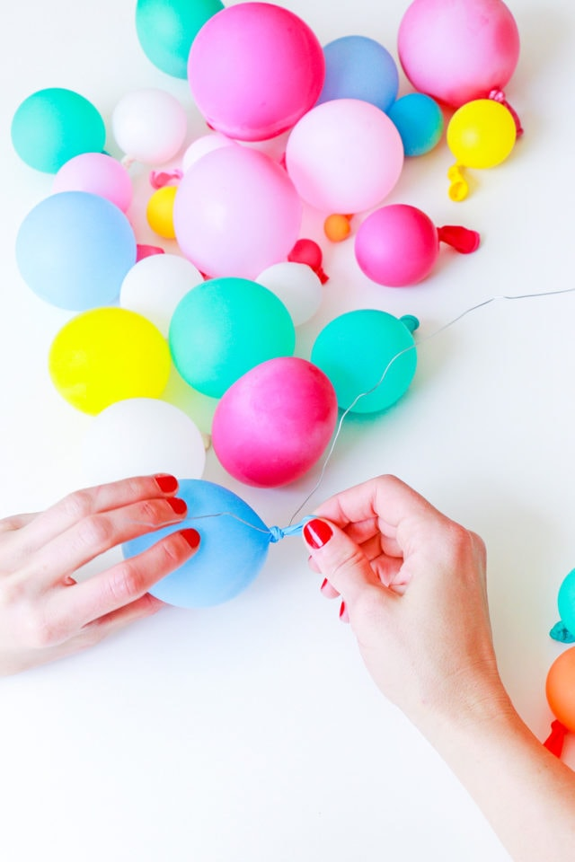 Step 3 -DIY Balloon Garland Cake Topper by top Houston lifestyle Blogger Ashley Rose of Sugar & Cloth - DIY DECOR #DIY #decor #balloon #balloongarland #party #celebrate #birthday #garland #diydecor