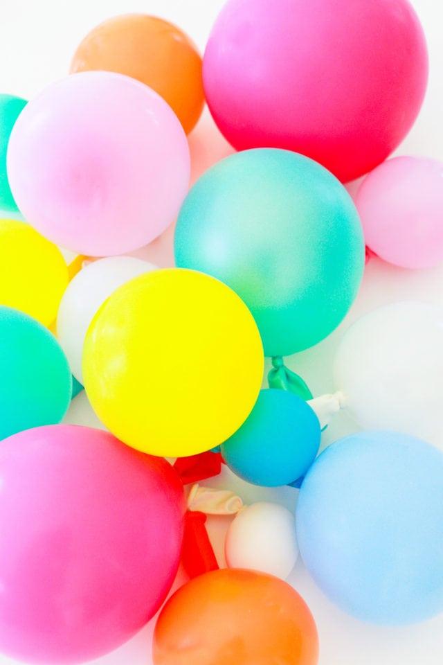 Step 1 - DIY Balloon Garland Cake Topper by top Houston lifestyle Blogger Ashley Rose of Sugar & Cloth - DIY DECOR #DIY #decor #balloon #balloongarland #party #celebrate #birthday #garland #diydecor