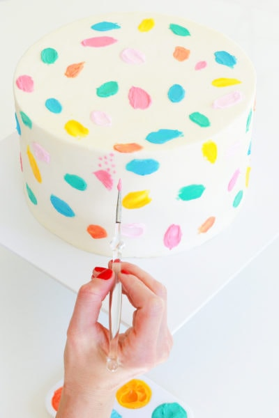 Step 10 -DIY Balloon Garland Cake Topper by top Houston lifestyle Blogger Ashley Rose of Sugar & Cloth - DIY DECOR #DIY #decor #balloon #balloongarland #party #celebrate #birthday #garland #diydecor