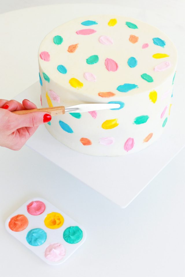Step 9 - DIY Balloon Garland Cake Topper by top Houston lifestyle Blogger Ashley Rose of Sugar & Cloth - DIY DECOR #DIY #decor #balloon #balloongarland #party #celebrate #birthday #garland #diydecor