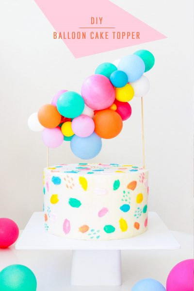 DIY Balloon Garland Cake Topper by top Houston lifestyle Blogger Ashley Rose of Sugar & Cloth - DIY DECOR #DIY #decor #balloon #balloongarland #party #celebrate #birthday #garland #diydecor