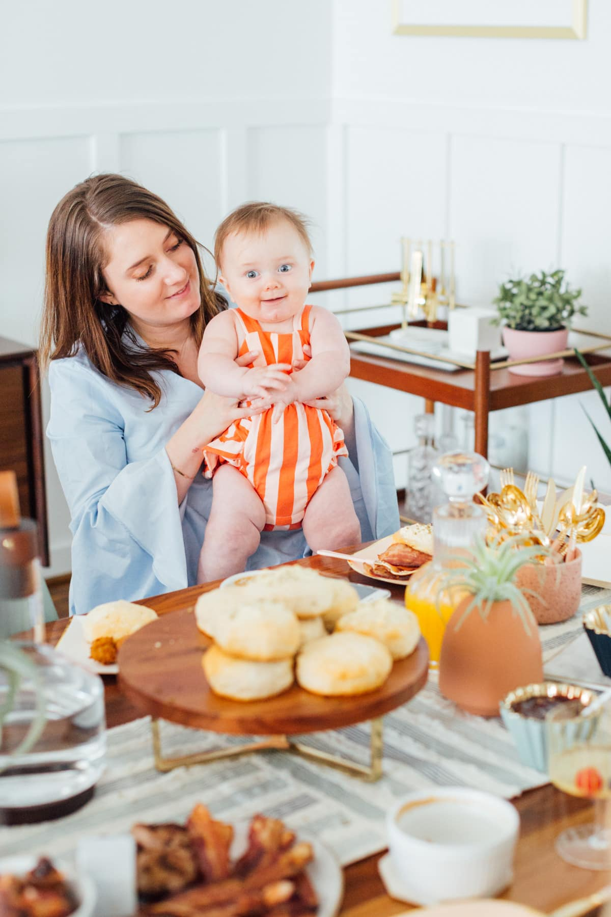 Real Entertaining: Easy Garlic & Herb Cheese Biscuits + Our Family Brunch!