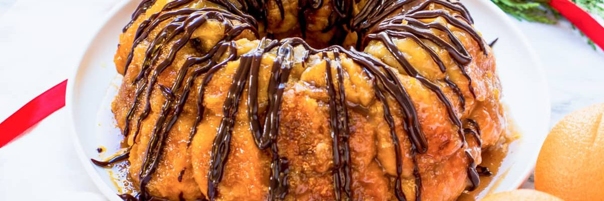 Perfect holiday recipe! an easy monkey bread recipe with chocolate and orange flavors (or whatever floats your boat!) for the holidays! by top Houston lifestyle blogger Ashley Rose of Sugar & Cloth - #recipe #easy #christmas #holidays #quickrecipes #easyrecipe #holiday #winter