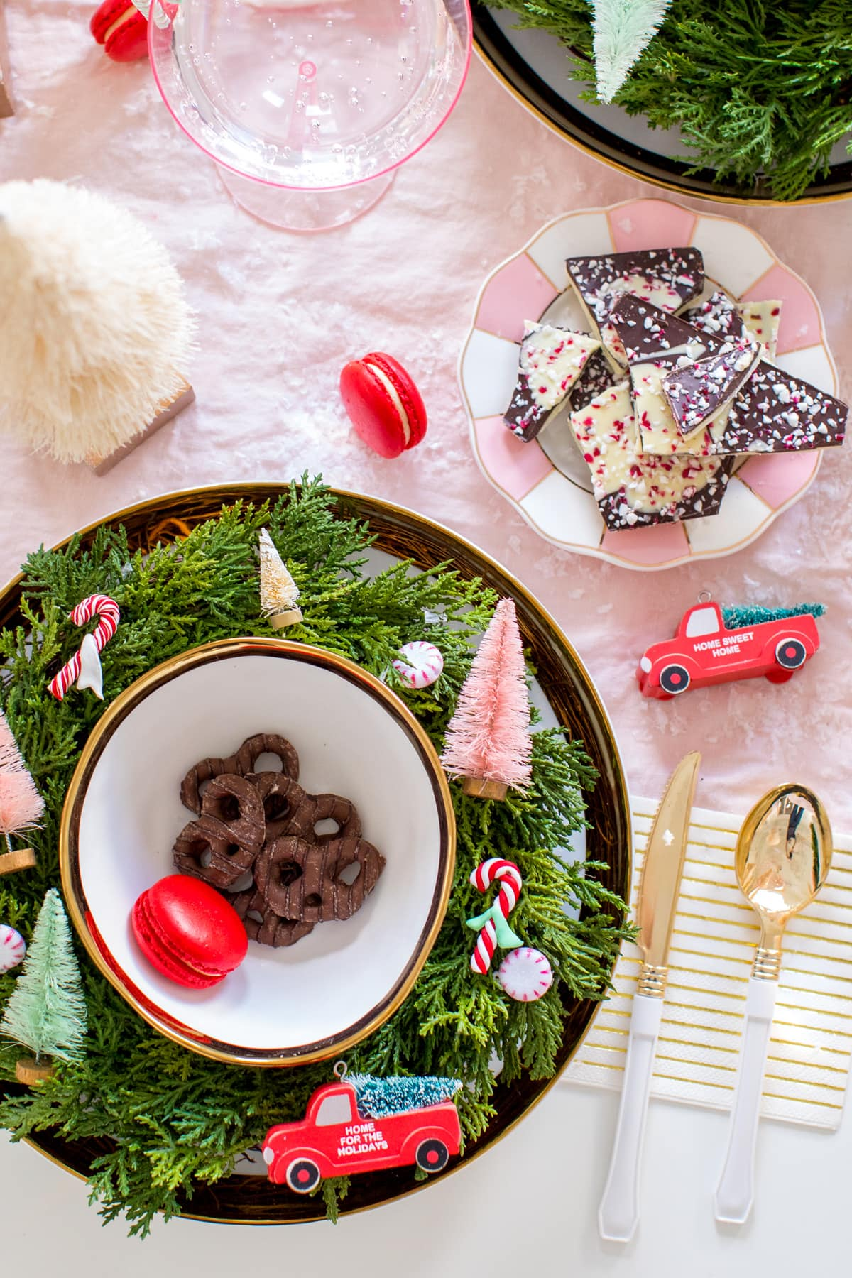 Holiday Table Decor by Houston lifestyle blogger Ashley Rose of Sugar and Cloth -- #giftguide #christmas #entertaining #holidayentertaining #presents