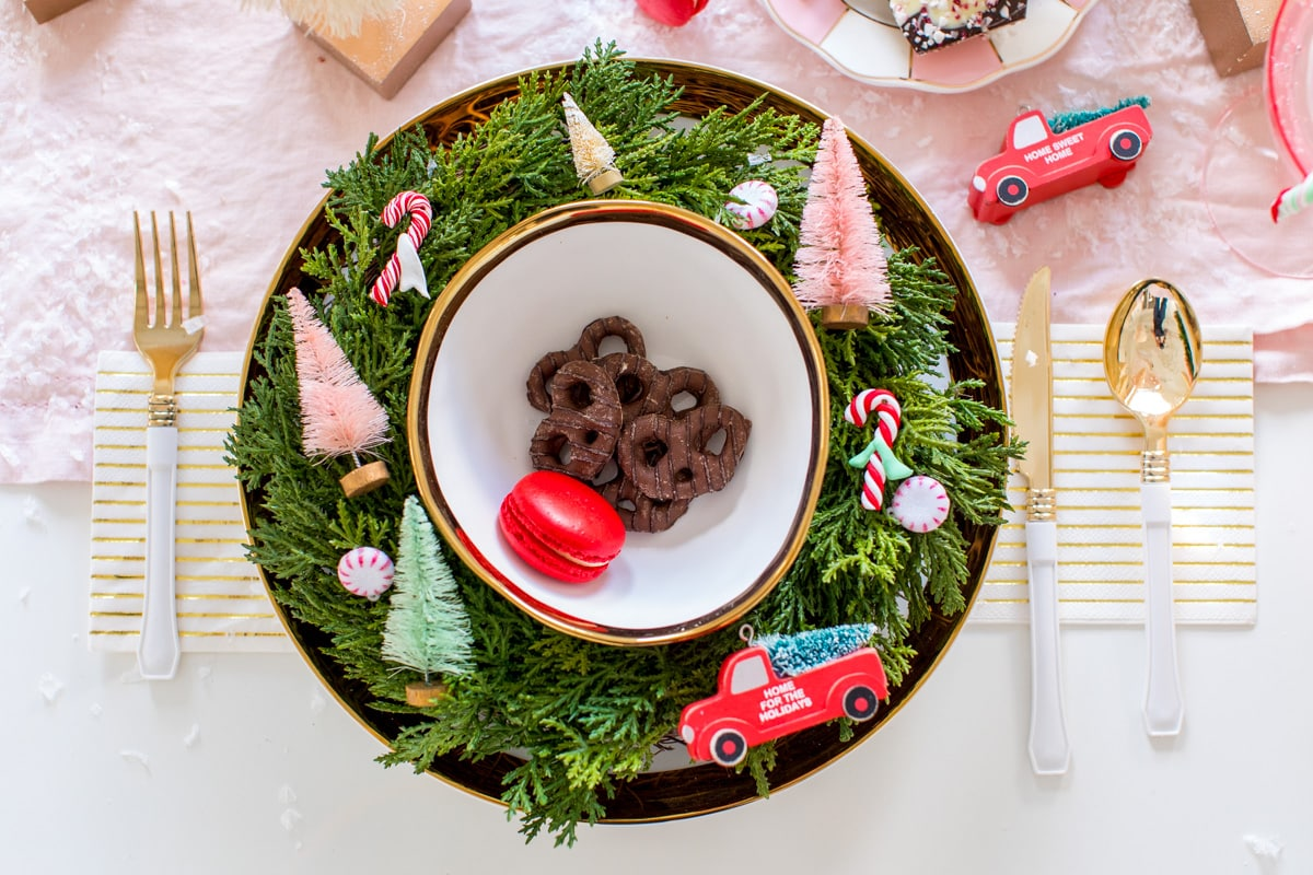 Christmas Table Decor by Houston lifestyle blogger Ashley Rose of Sugar and Cloth -- #giftguide #christmas #entertaining #holidayentertaining #presents
