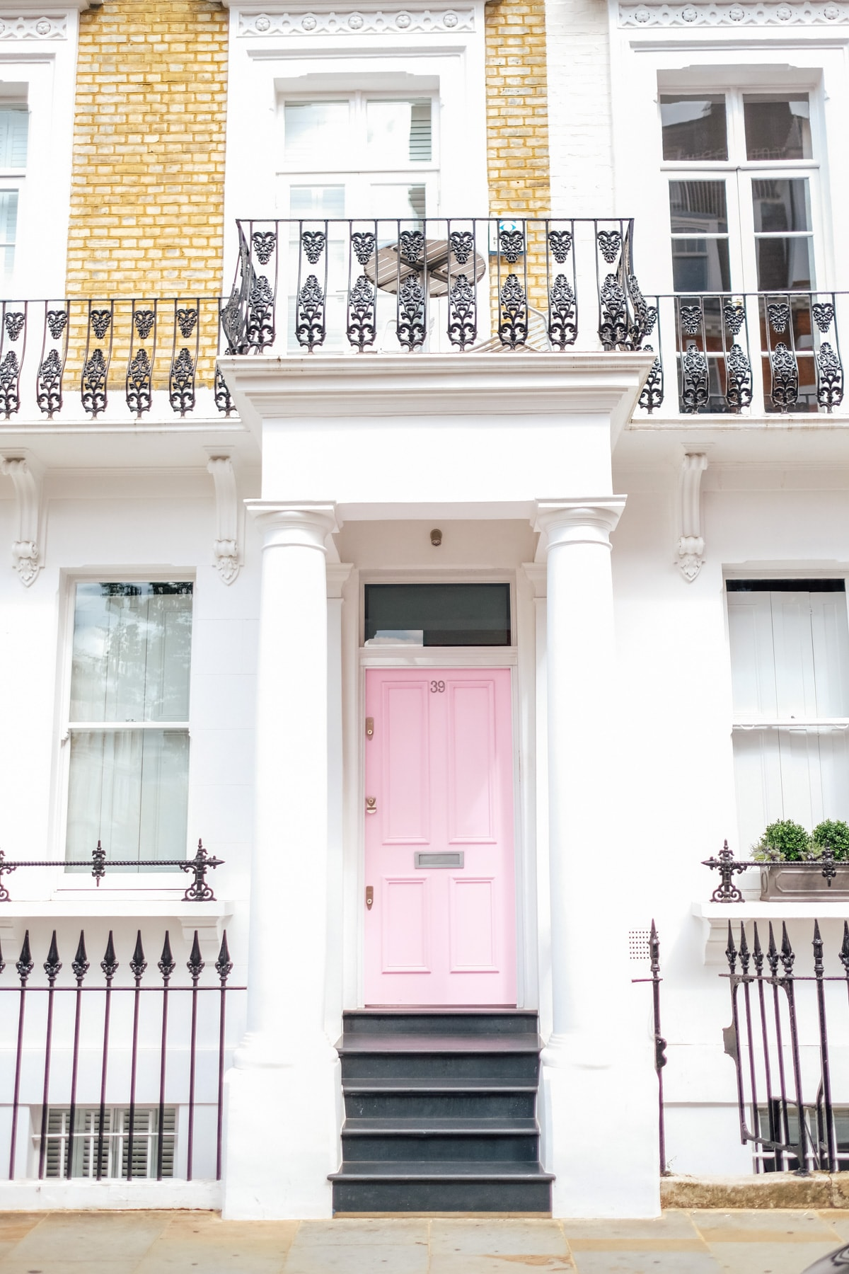 Pink front door in Nottinghill London! Photos of Our British Isles Cruise with Family! | Part 1 # travel #familytravel #cruise #decor #design #britishisles