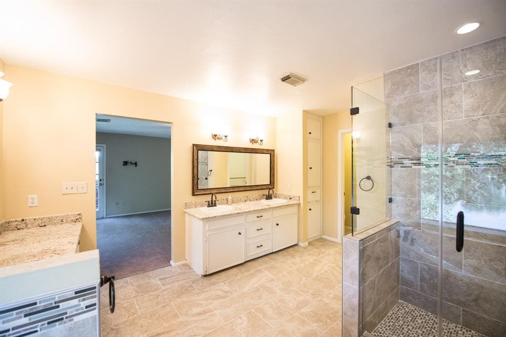 master bath 4 - Sugar & Cloth Casa: All the Before Photos from Our New Fixer Upper (+ video!) by top Houston lifestyle blogger Ashley Rose of Sugar & Cloth #fixerupper #renovations #ideas #homedecor #realestate