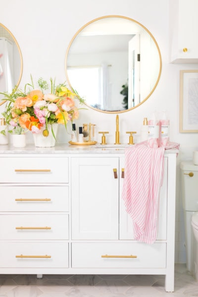 Did you know to only use a wide tooth comb? - 8 Hair Care Tips You Probably Didn't Know About by top Houston lifestyle blogger Ashley Rose of Sugar & Cloth #haircare #tips #beauty #style #listicle #hairstyle #selfcare