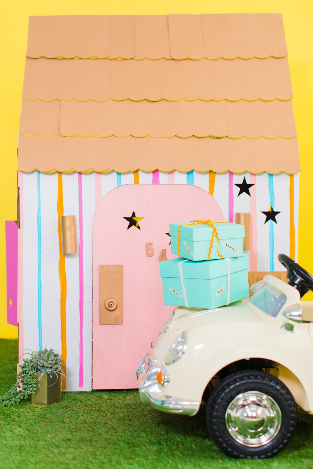 The cutest baby car you've ever seen! Sugar & Cloth Casa: How We Went About Buying A House to Renovate by top Houston lifestyle blogger Ashley Rose of Sugar & Cloth #renovate #home #interiors #buying #house #fixerupper #howto