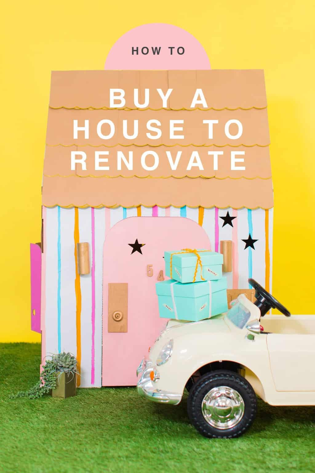 The cutest baby house you've ever seen! Sugar & Cloth Casa: How We Went About Buying A House to Renovate by top Houston lifestyle blogger Ashley Rose of Sugar & Cloth #renovate #home #interiors #buying #house #fixerupper #howto