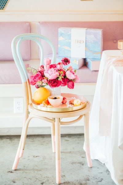 Spring flower ideas - A Perfectly Pastel Easter Table Idea by top Houston lifestyle blogger Ashley Rose of Sugar & Cloth #diy #tablescape #ideas #easter #pastel #party #decorations #brunch #bridalshower #bridal #shower #baby