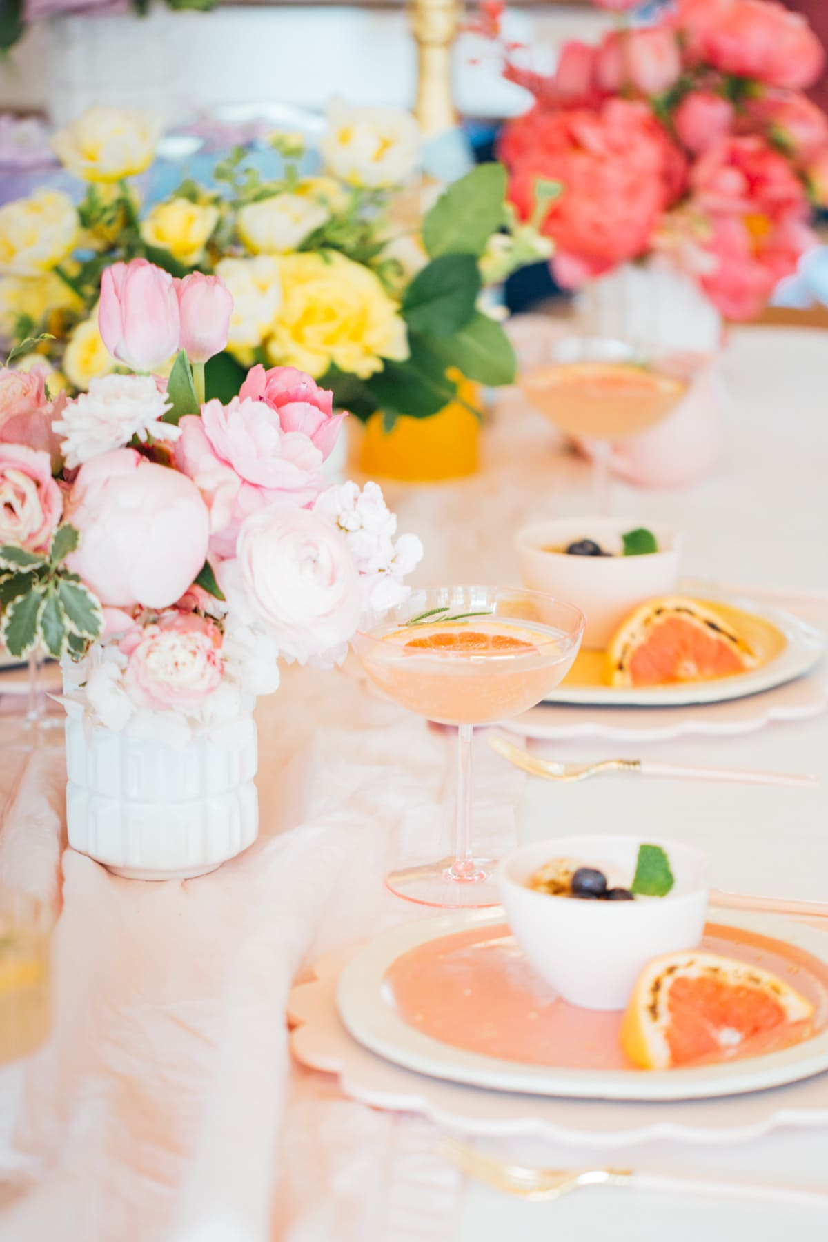 Easter tablesetting ideas - A Perfectly Pastel Easter Table Idea by top Houston lifestyle blogger Ashley Rose of Sugar & Cloth #diy #tablescape #ideas #easter #pastel #party #decorations #brunch #bridalshower #bridal #shower #baby