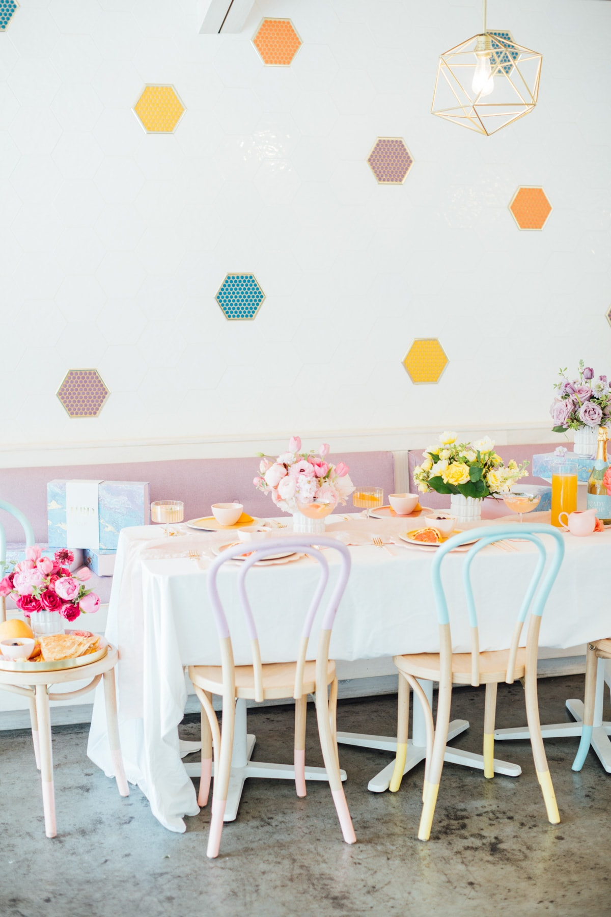 Melange Creperie Houston brunch ideas - A Perfectly Pastel Easter Table Idea by top Houston lifestyle blogger Ashley Rose of Sugar & Cloth #diy #tablescape #ideas #easter #pastel #party #decorations #brunch #bridalshower #bridal #shower #baby