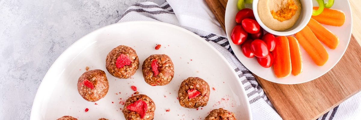 Three Snacks Under 300 Calories Recipe by top Houston lifestyle blogger Ashley Rose of Sugar & Cloth