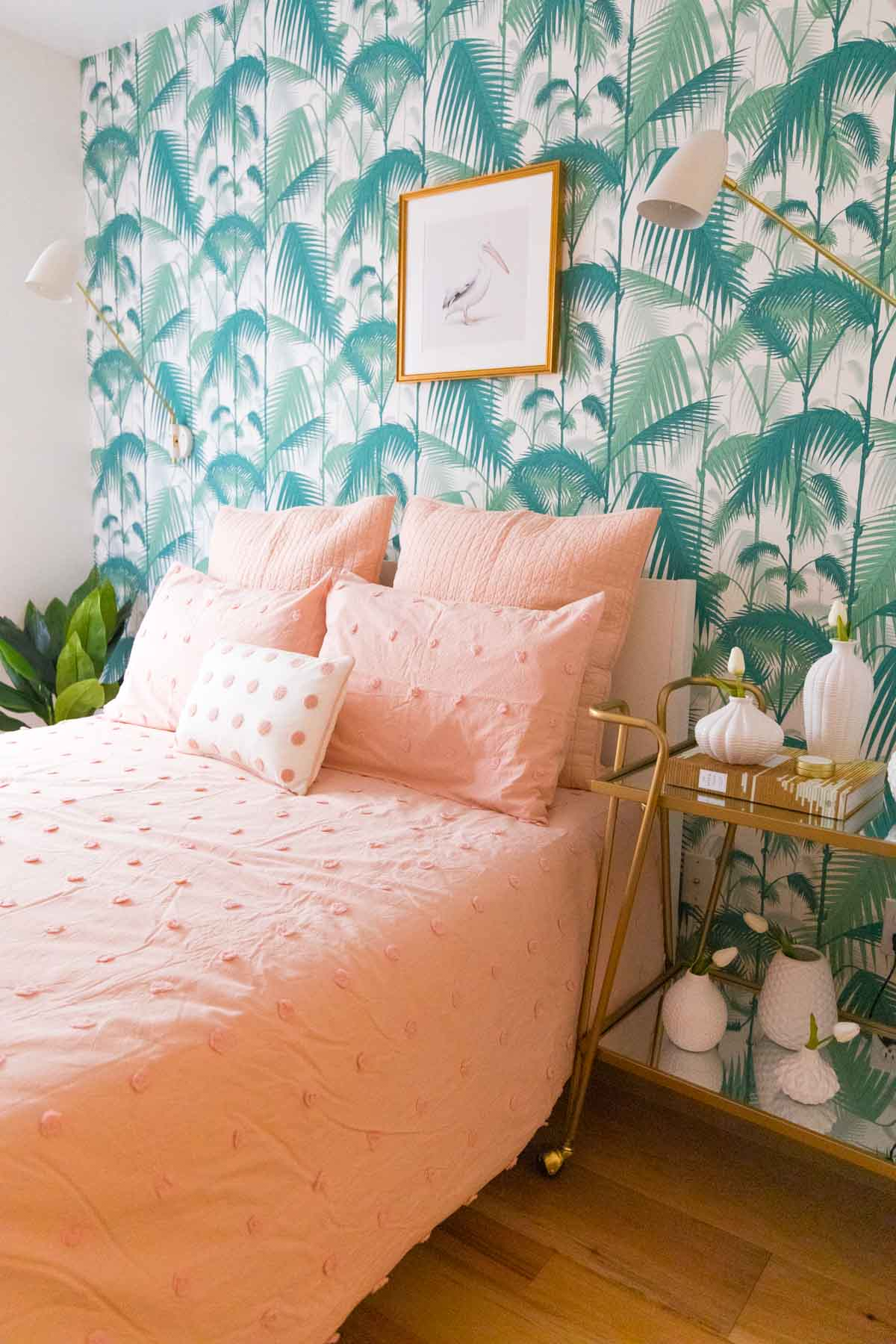 In case you're looking to sell your house fast, I'm sharing a few home staging tips to get you good bang for your buck! by top Houston lifestyle bogger Ashley Rose of sugar & cloth #decor #ideas #design #tips #home