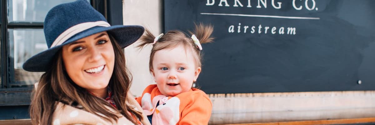 photo of a mother and daughter at silos baking co food truck