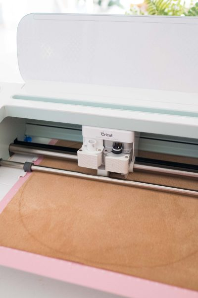 picture showing how to cut diy placemats using a cricut machine by sugar and cloth