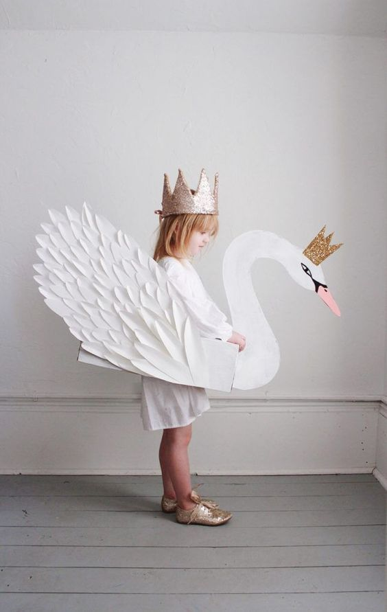 Swan princes DIY Halloween costume for girls