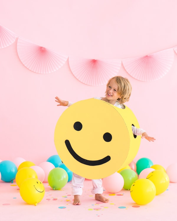 DIY Smiley Face Halloween costume for kids