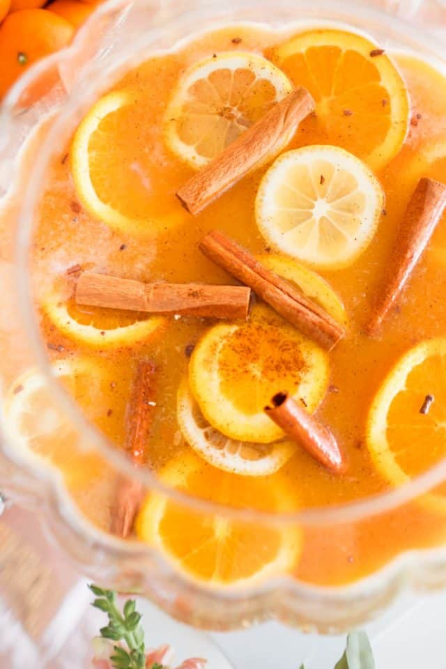 photo of an easy thanksgiving cocktails recipe