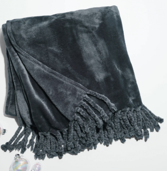 a super soft plush throw blanket gift for her
